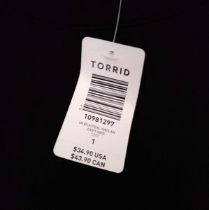 torrid Tops - Torrid Black and Teal Raglan Tee Size 1